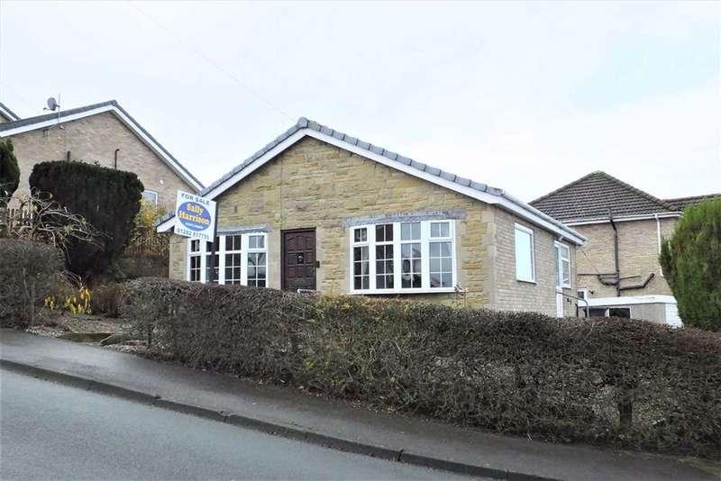 2 Bedrooms Detached Bungalow for sale in Monkroyd Avenue, Barnoldswick, Lancashire, BB18