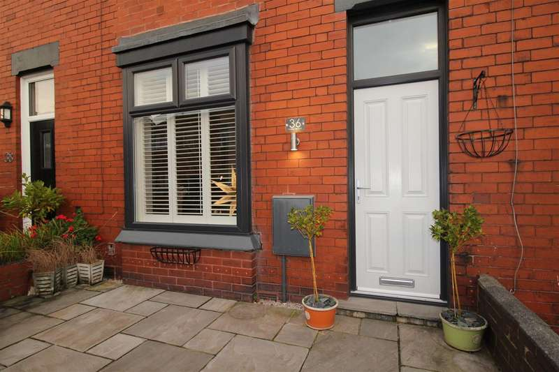 2 Bedrooms Terraced House for rent in Holme Terrace, Swinley, Wigan.