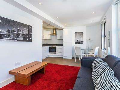2 Bedrooms Flat for rent in Old Street, London, EC1V