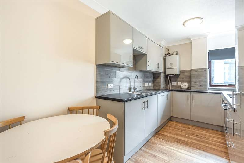 2 Bedrooms Apartment Flat for rent in Royal Court, Kings Road, Reading, Berkshire, RG1