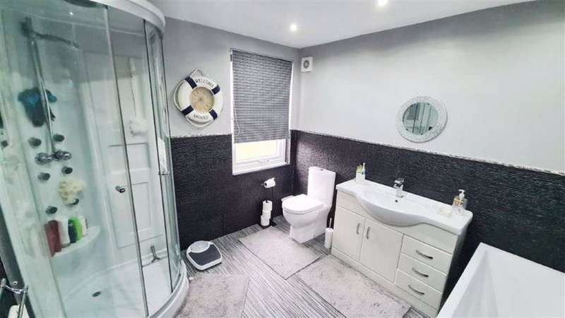 2 Bedrooms Terraced House for sale in Fraternitas Terrace, Droylsden, Manchester