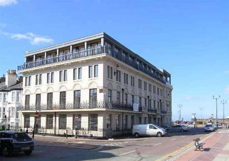 2 Bedrooms Flat for rent in Pier House, Wallasey, Merseyside