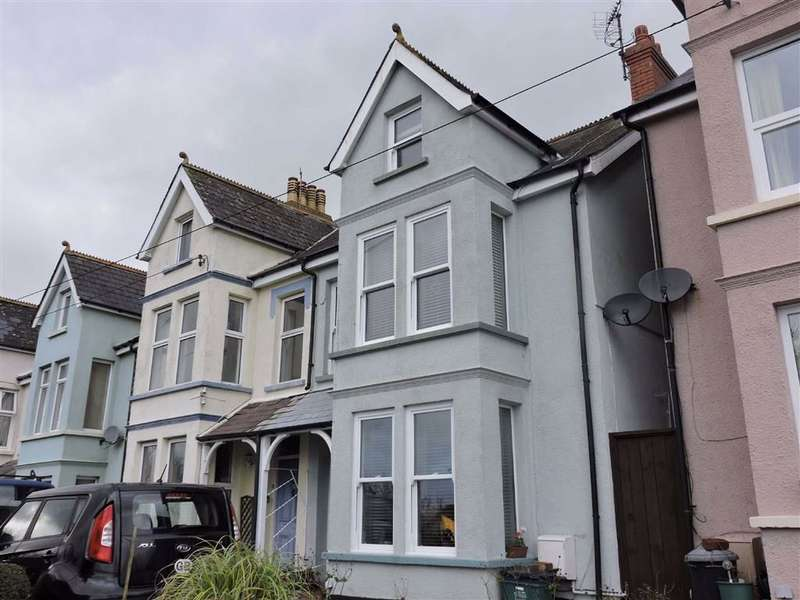 4 Bedrooms Semi Detached House for sale in Clement Road, Goodwick