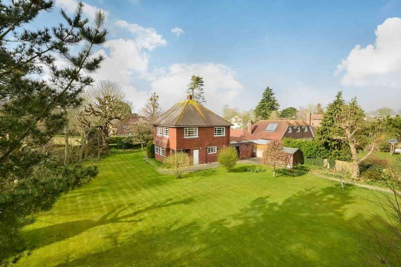 4 Bedrooms Detached House for sale in Havant, Hampshire