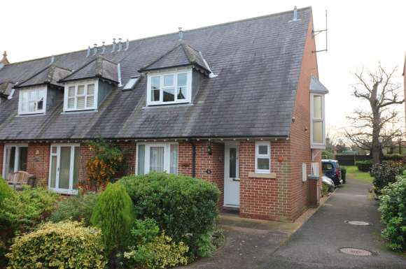 2 Bedrooms Detached House for sale in St Mary's Court, Ottway Walk, Welwyn