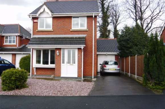 3 Bedrooms Property for rent in Bronington Close, Manchester