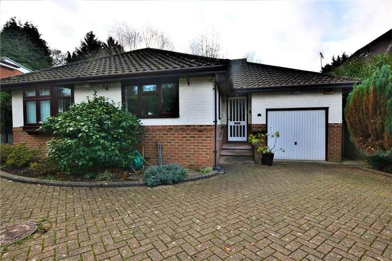 3 Bedrooms Bungalow for rent in Salisbury Road, Farnborough, Hampshire, GU14