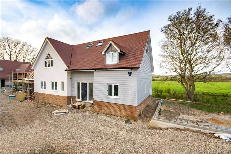 4 Bedrooms Detached House for sale in Broadway Slip, Pluckley Road, Charing