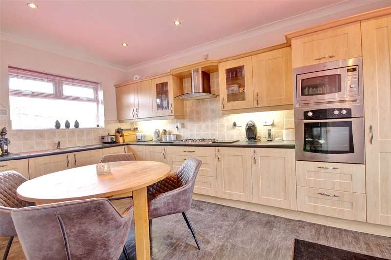 3 Bedrooms Detached House for sale in Wear View, Byers Green, Spennymoor, DL16