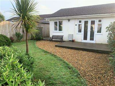 2 Bedrooms Bungalow for rent in Steeple View Court, Carbis Bay, St. Ives