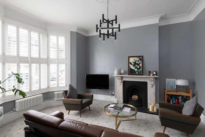 4 Bedrooms Terraced House for sale in Amott Road, London