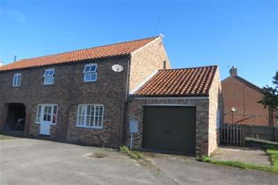 3 Bedrooms Barn Conversion Character Property for rent in East Street, Swinton