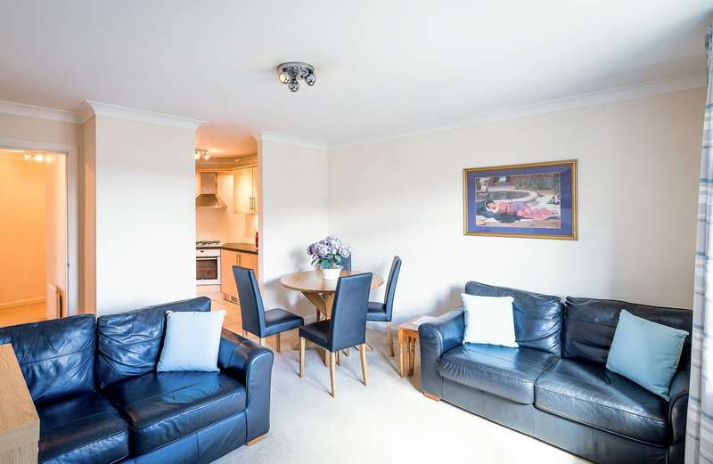 2 Bedrooms Flat for sale in Grandholm Crescent, Bridge of Don, Aberdeen, AB22 8BA