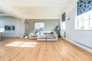 3 Bedrooms Flat for sale in St. Andrews Park, Tarragon Road, Maidstone, Kent