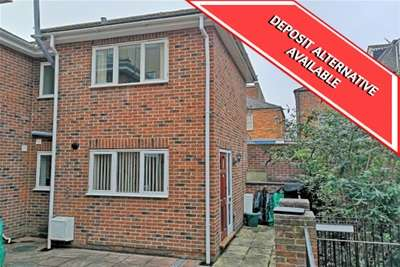 2 Bedrooms Semi Detached House for rent in Cross Street, Ryde