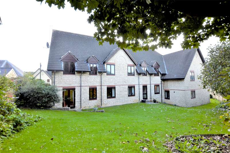 2 Bedrooms Flat for sale in Spinners House, Wesley Court, Stroud, Gloucestershire, GL5