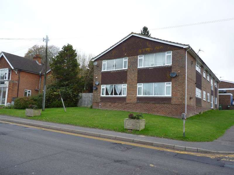 2 Bedrooms Flat for rent in High Street, Horam, E.Sussex, TN21 0ES