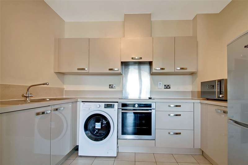 2 Bedrooms Flat for rent in Tristan Court, King George Crescent, Wembley