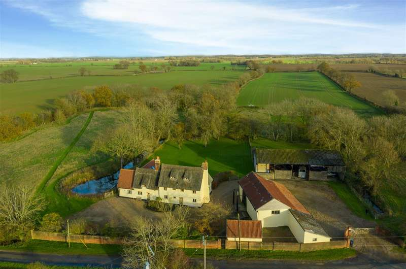 7 Bedrooms House for sale in Great Moulton, NR15