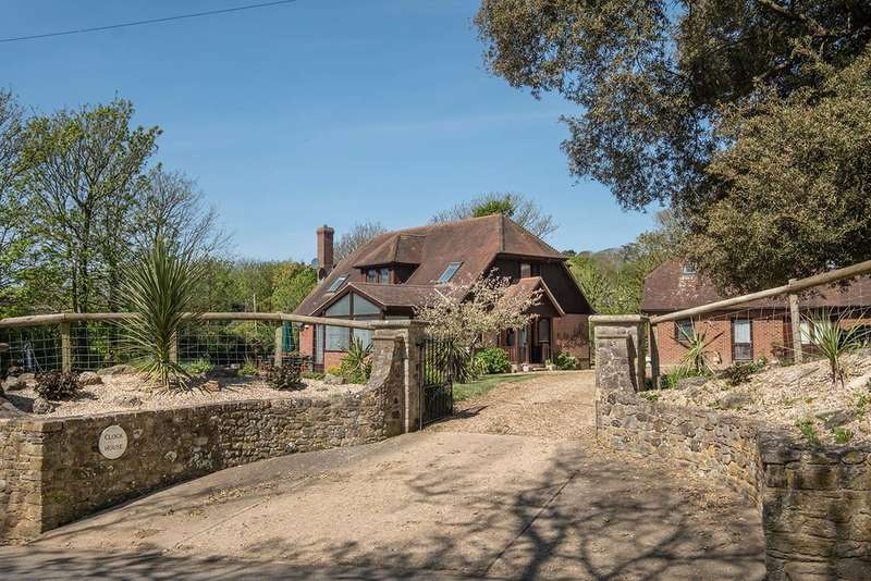 5 Bedrooms Detached House for sale in Brook, Isle of Wight