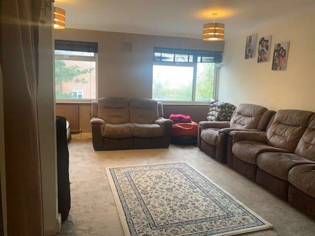 4 Bedrooms Terraced House for rent in Tresco Close, Bromley, Greater London, BR1