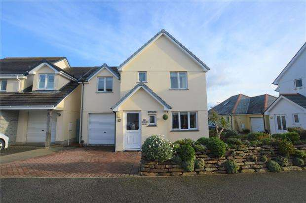 4 Bedrooms Detached House for sale in Riviera Close, Mullion, Helston, Cornwall