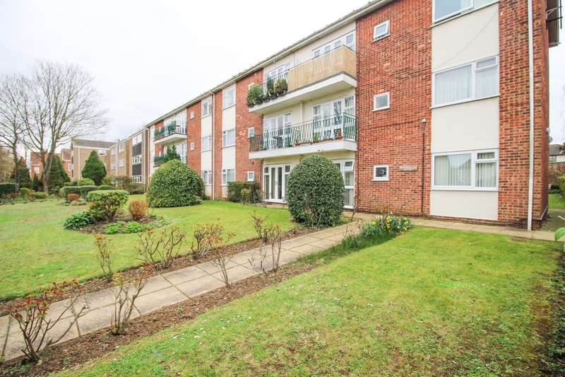 2 Bedrooms Flat for rent in Belmont Court, Newmarket