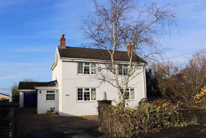 3 Bedrooms Detached House for sale in Gowerton Road, Three Crosses
