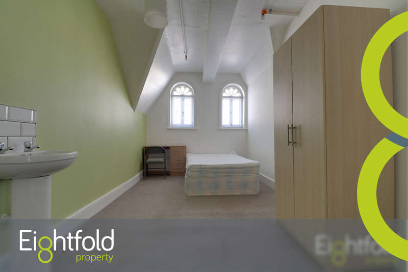 9 Bedrooms House for rent in West Street, Brighton
