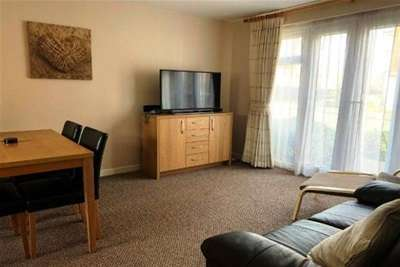 2 Bedrooms Flat for rent in Alma Road, Banbury, OX16