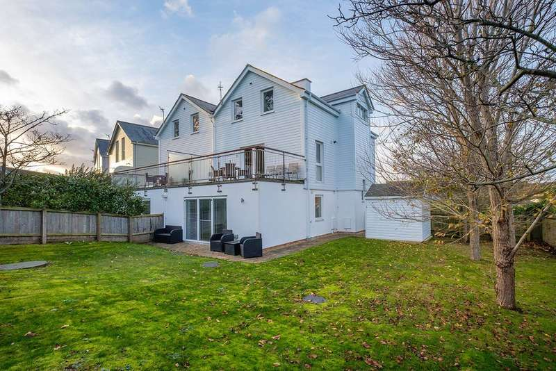 5 Bedrooms Semi Detached House for sale in Yarmouth, Isle of Wight