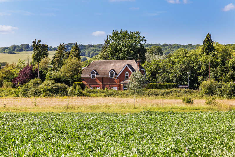 4 Bedrooms Detached House for sale in Honey Pot Lane, Kemsing, TN15
