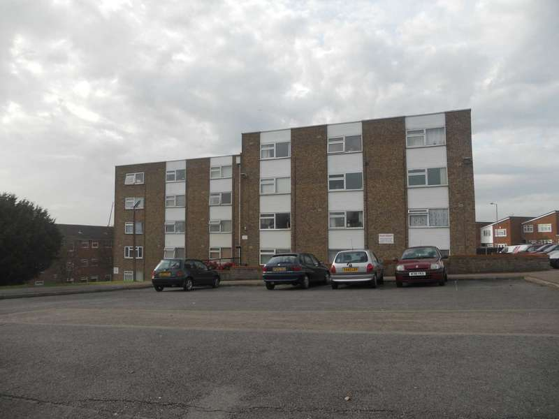 1 Bedroom Apartment Flat for sale in Burfield Court, Luton