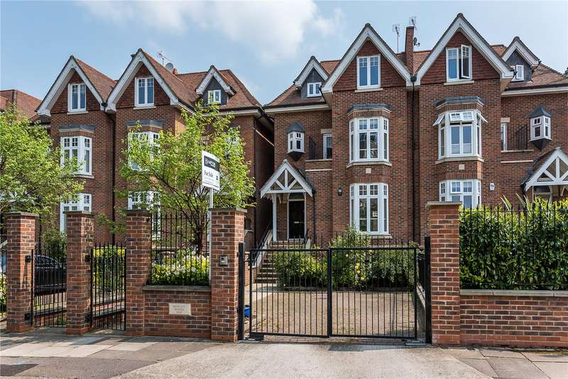 5 Bedrooms Semi Detached House for sale in Albany Park Road, Kingston upon Thames, KT2