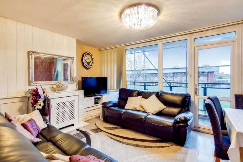 3 Bedrooms Maisonette Flat for rent in Forsyth Gardens, Oval, SE17