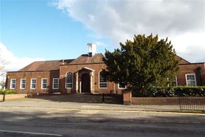 2 Bedrooms Flat for rent in Apt 2 The Old Council Office, Cheadle