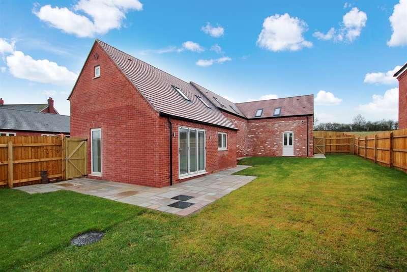 4 Bedrooms Detached House for sale in Astwood Lane, Feckenham, Redditch, B96 6HP