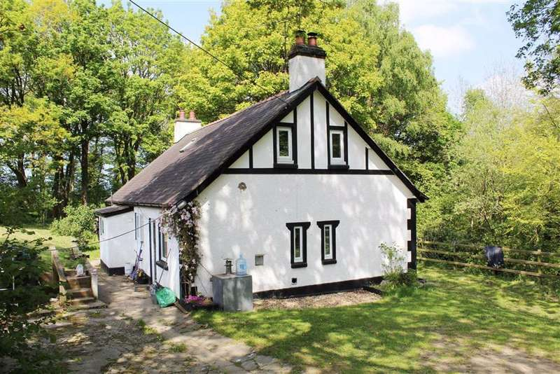4 Bedrooms Cottage House for sale in Llanfwrog, Ruthin, Denbighshire