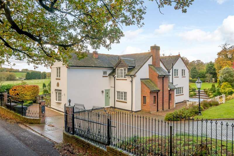 3 Bedrooms Detached House for sale in Icknield Street, Alvechurch, Birmingham