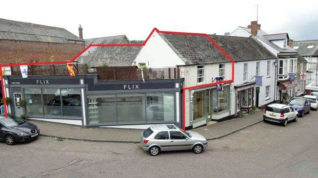 3 Bedrooms Maisonette Flat for sale in Flix Hair Design, Market Place, Colyton, Devon