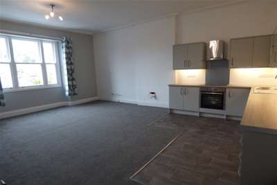 2 Bedrooms Flat for rent in Upper Mostyn Street, Llandudno