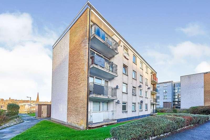 3 Bedrooms Flat for rent in Church Street, Dumfries, DG2