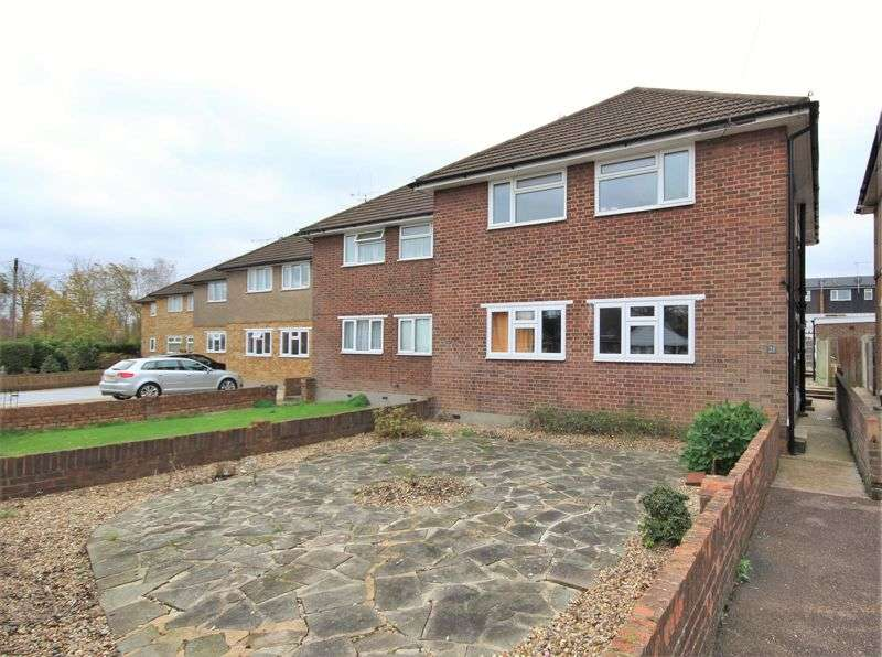 2 Bedrooms Property for sale in Hunter avenue, shenfield