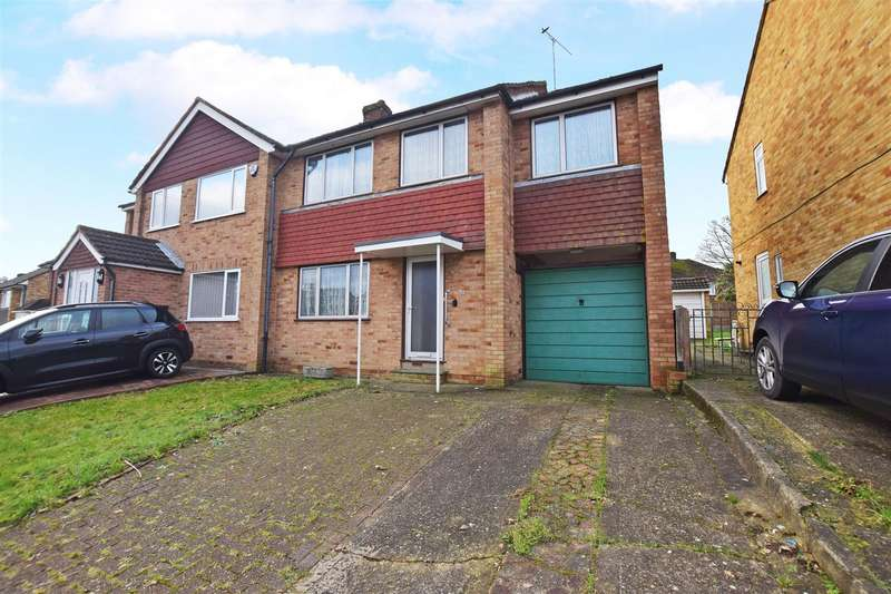 3 Bedrooms Semi Detached House for sale in Kenilworth Drive, Gillingham