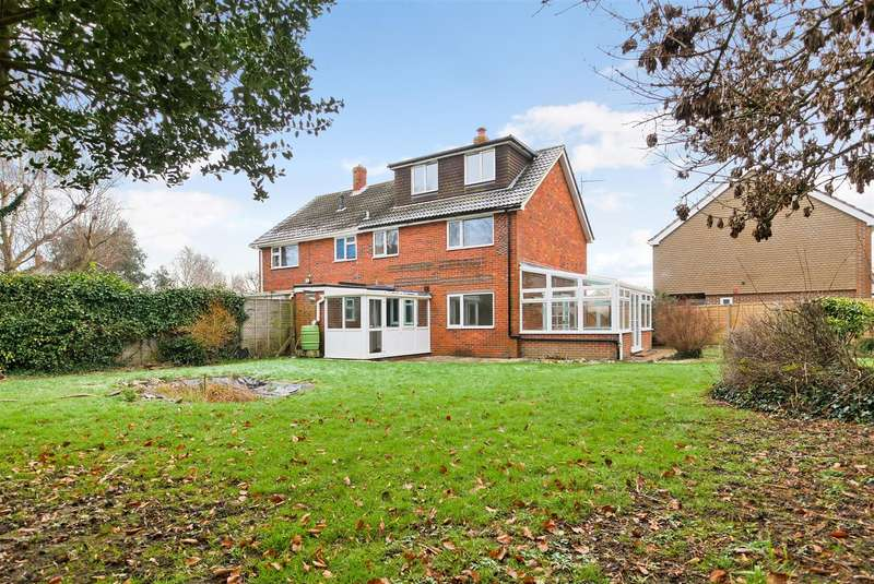 4 Bedrooms House for rent in Halfrey Close, Fishbourne
