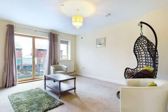 3 Bedrooms Property for rent in Langdon Road, Marina, Swansea, SA1