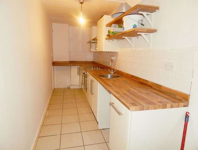 2 Bedrooms Flat for rent in Newcastle Terrace, Tynemouth