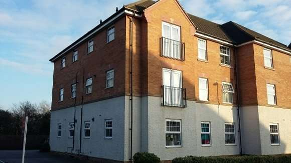 2 Bedrooms Flat for rent in Conyger Close, Corby