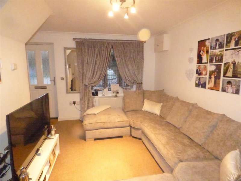 2 Bedrooms Terraced House for rent in Stowell Close, Singleton, Ashford