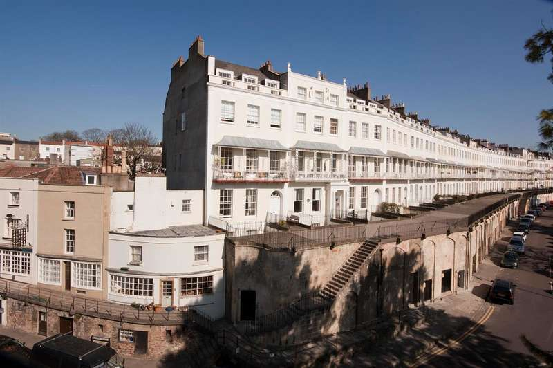 1 Bedroom Flat for sale in Royal York Crescent, Clifton, Bristol BS8